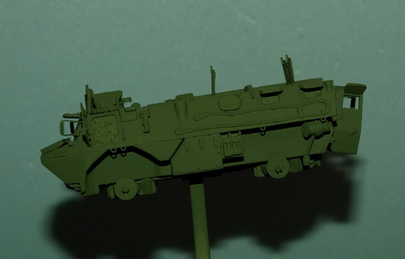 VAB 4x4  [HELLER 1/72]  ---  Montage terminé - Page 4 P1014032