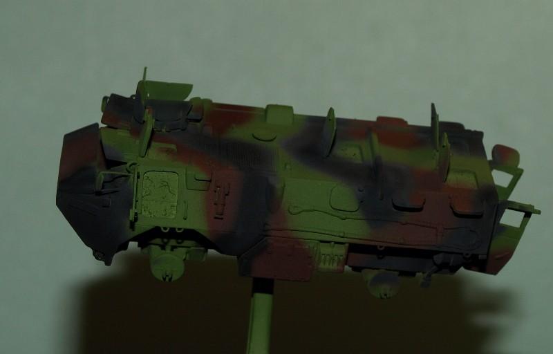 VAB 4x4  [HELLER 1/72]  ---  Montage terminé - Page 4 P1014036