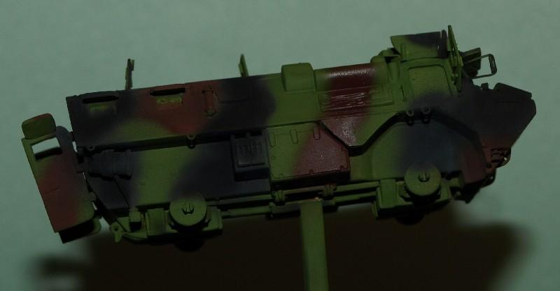 VAB 4x4  [HELLER 1/72]  ---  Montage terminé - Page 4 P1014037