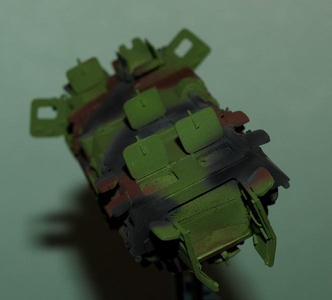 VAB 4x4  [HELLER 1/72]  ---  Montage terminé - Page 4 P1014038