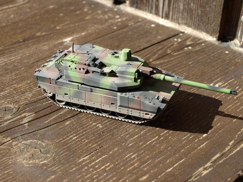 Leclerc REVELL + conversion BLAST MODEL 1/72 (6-12° RC) P1014044