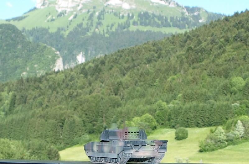 Leclerc REVELL + conversion BLAST MODEL 1/72 (6-12° RC) P1014110
