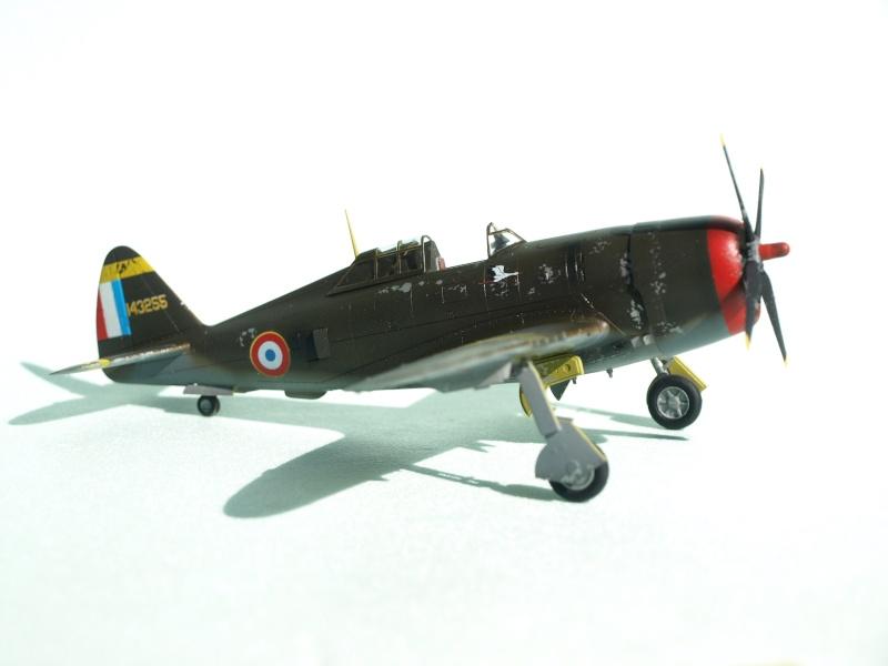 [Academy] P-47D Razorback Escadrille Lafayette P1015211