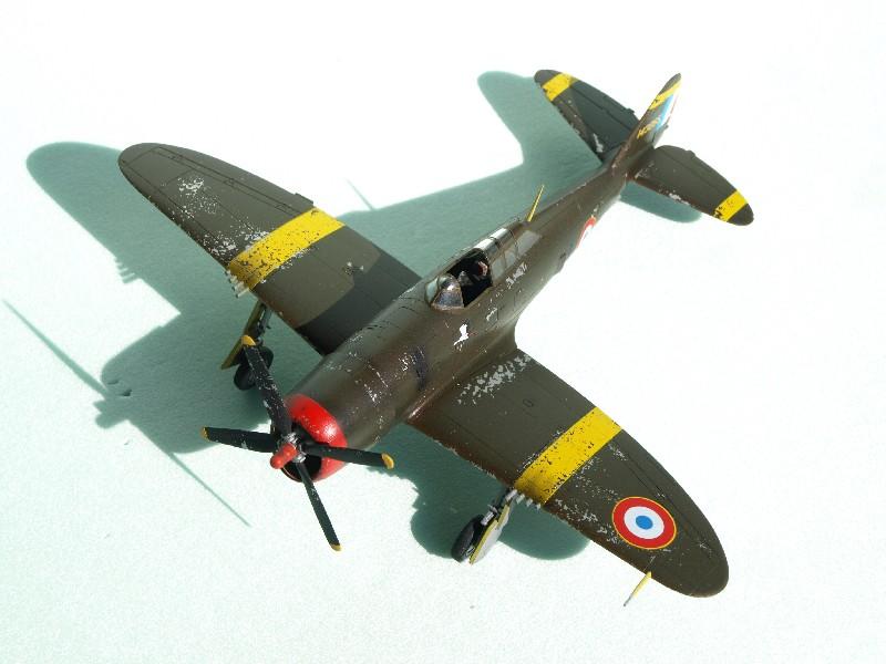 [Academy] P-47D Razorback Escadrille Lafayette P1015213
