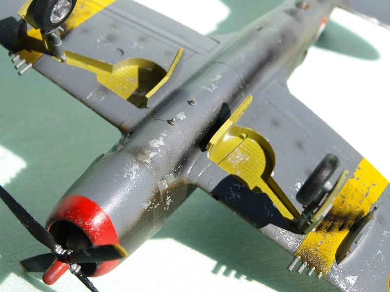 [Academy] P-47D Razorback Escadrille Lafayette P1015218