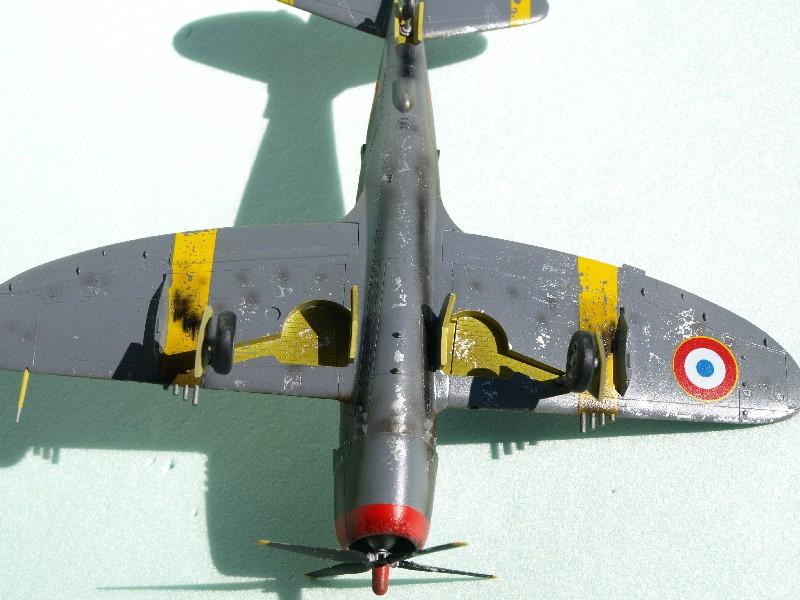 [Academy] P-47D Razorback Escadrille Lafayette P1015221