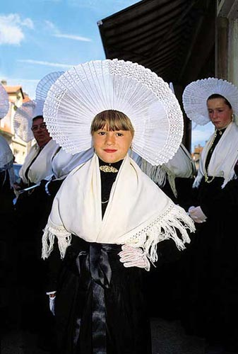 Costumes traditionnels du Nord Costum10