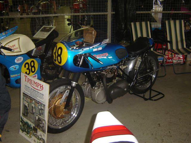 TRIUMPH RACER MORTEL Bikers10