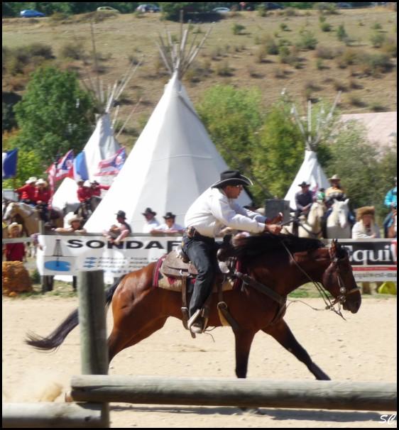 5° Festival International Country Equestre à Beauregard Barret - Page 4 P1030112