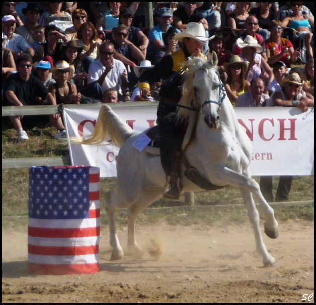 5° Festival International Country Equestre à Beauregard Barret - Page 4 P1030119
