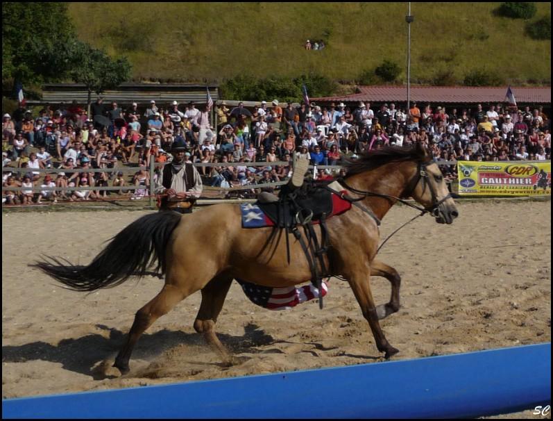 5° Festival International Country Equestre à Beauregard Barret - Page 4 P1030123