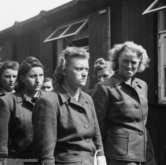 Libération du KZ Belsen : une affaire embrouillée… Bildar11