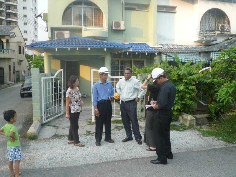 TNB EMF Reading at Taman Sri Angsana Hilir P1040417