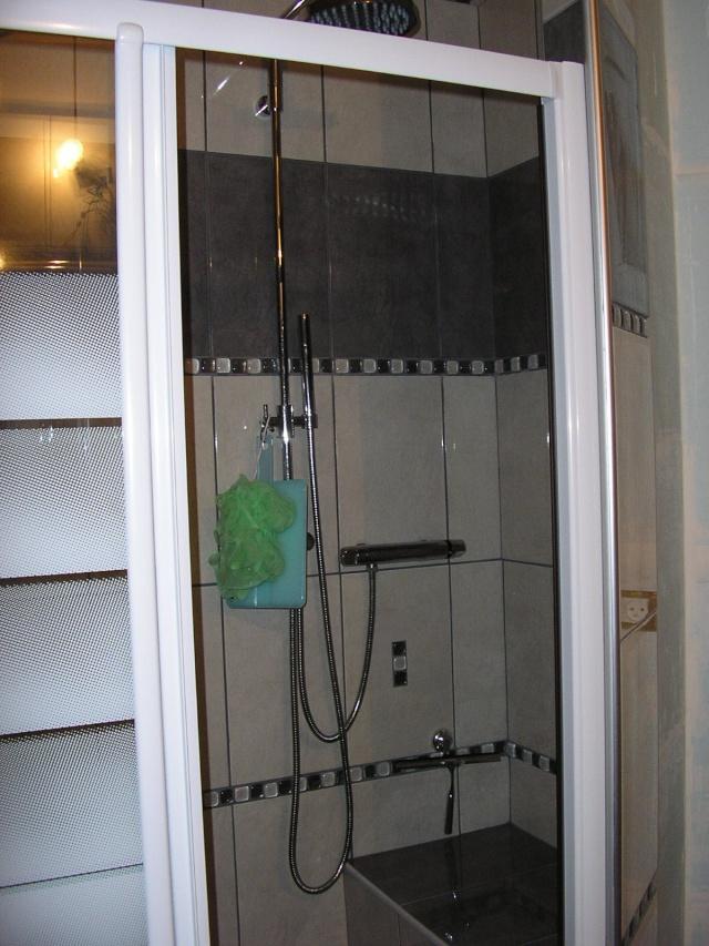 salle de bain à refaire entièrement !(photo p2) 07102911