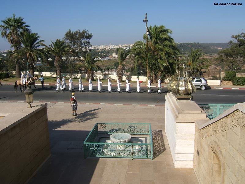 La Garde Royale Marocaine / Moroccan Royal Guard - Page 3 42194310