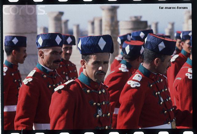 La Garde Royale Marocaine / Moroccan Royal Guard - Page 3 Hu051311