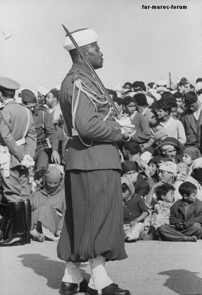 La Garde Royale Marocaine / Moroccan Royal Guard - Page 2 Rabat_12