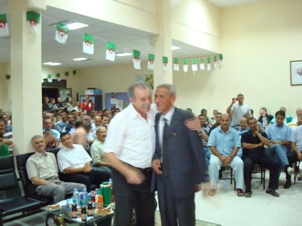 L'amicale des anciens internationaux honore BENARAB ABDELMADJID Ain_m_23