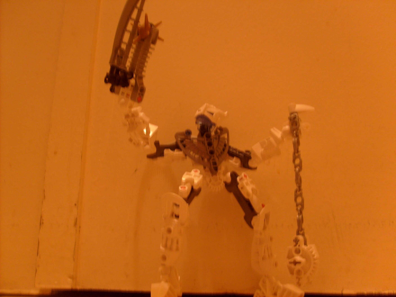 [MOC] Les bionicles 2010 du Forum - Page 2 S6301210