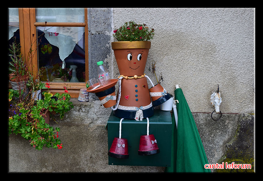 """""""Ex-pots"""" dans le bourg de Marchastel !  Dsc_1814"""
