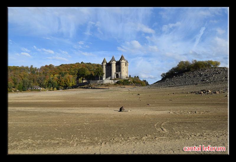Retenue de Bort-les-Orgues et château de Val Dsc_1911