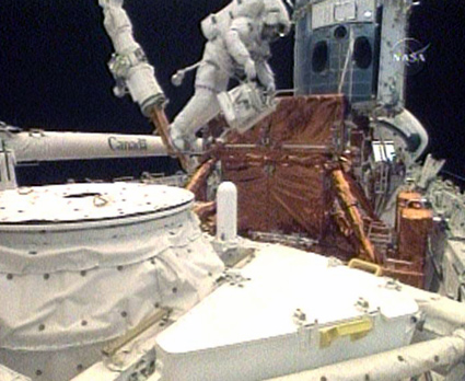 [STS-125] EVA - 2 34587411