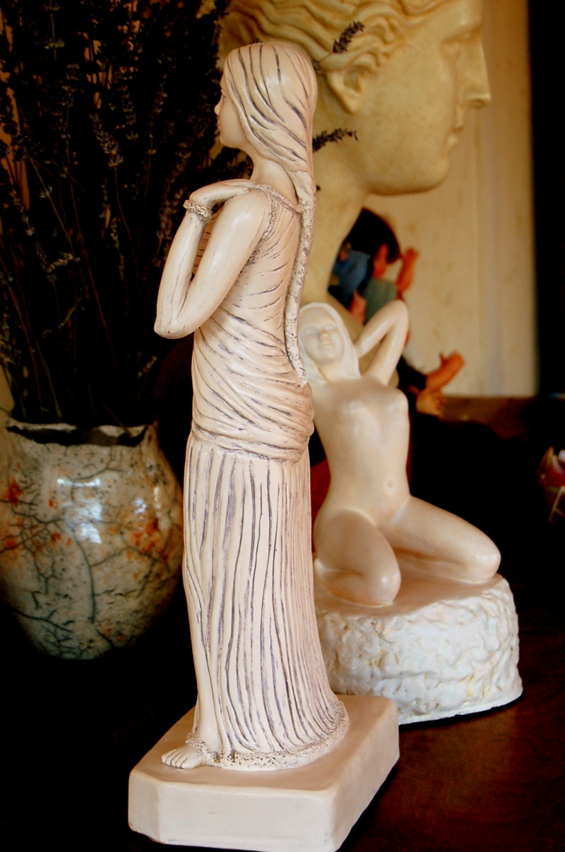 Sculpture modelage drapé après patine bleutée Olympe23