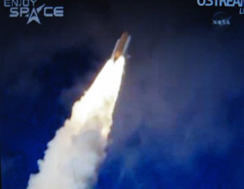 [STS-129] atlantis: suivi du lancement 16/11/2009 - Page 10 Img_1412