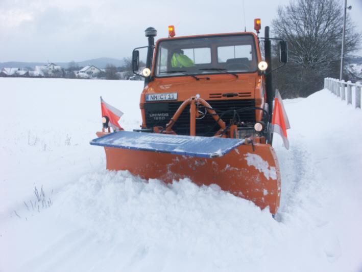 photos unimog chasse neige - Page 2 Bild_110