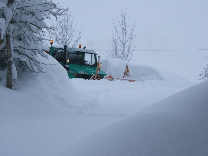 photos unimog chasse neige - Page 2 Winter10