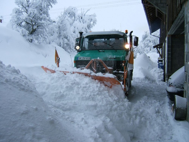 photos unimog chasse neige - Page 2 Winter11
