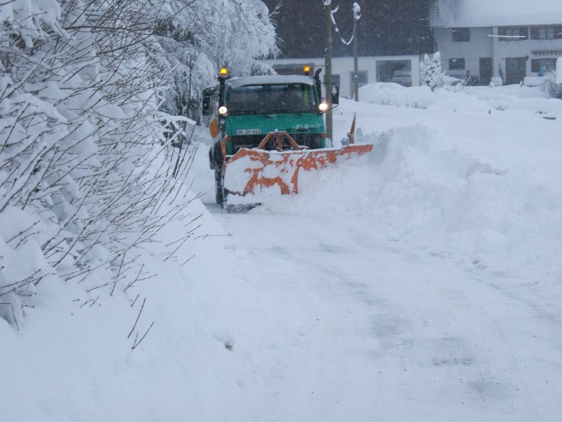 photos unimog chasse neige - Page 2 Winter12