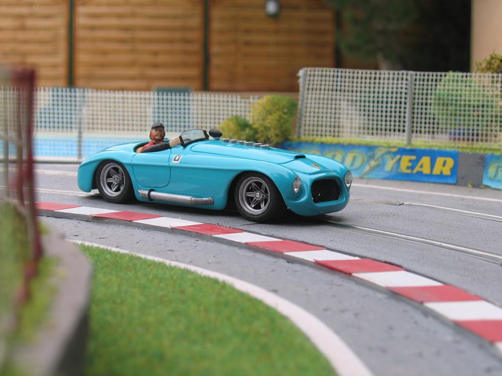 Ferrari 330P4 Img_0013