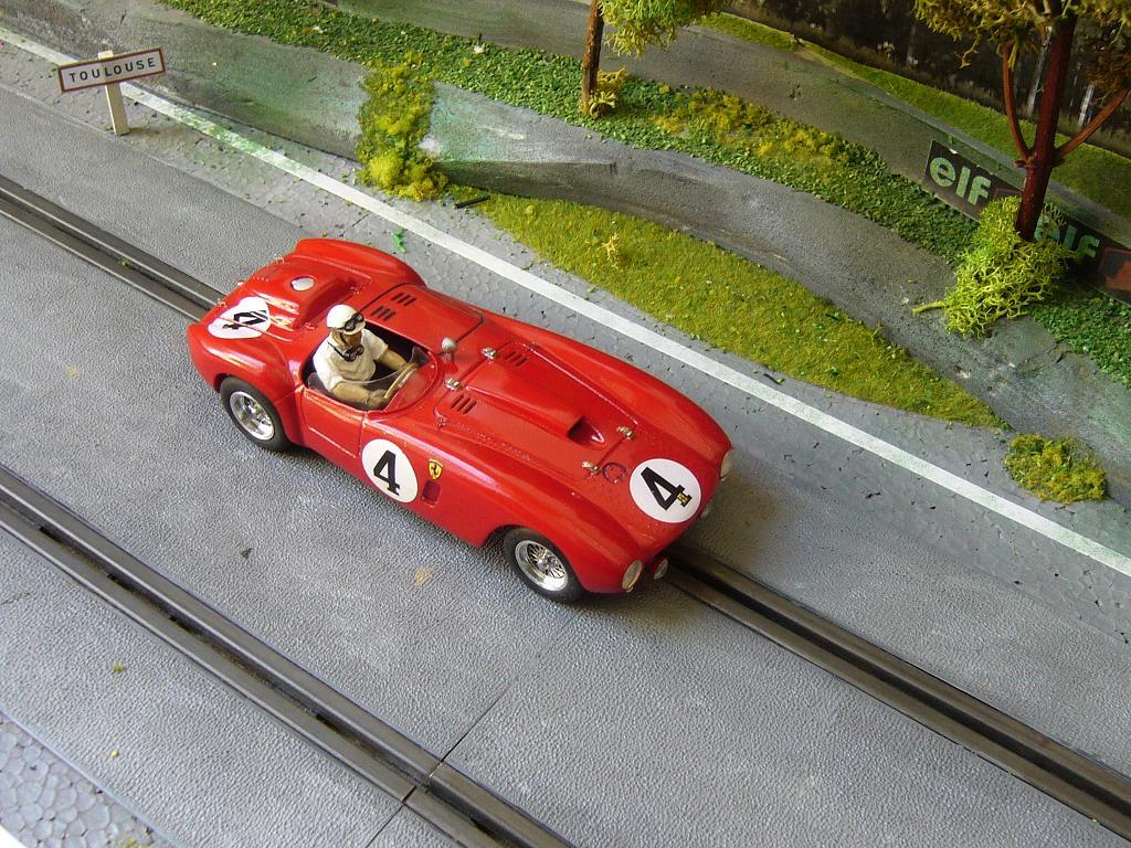 Ferrari 330P4 Slot_122