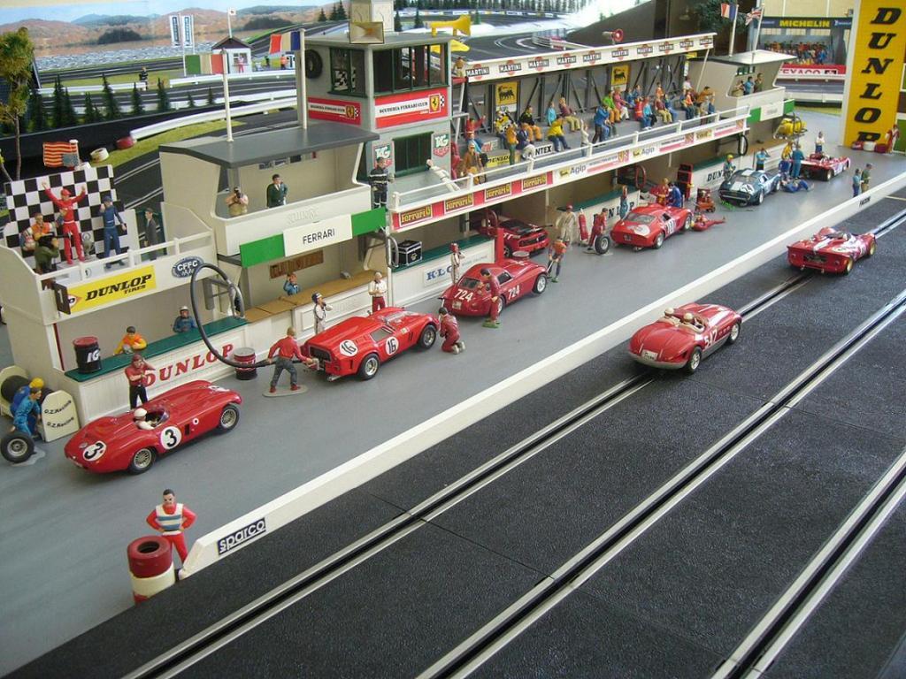 Ferraring 124 Stand-22