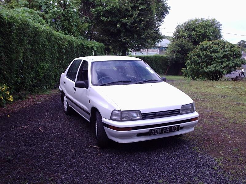 My First Car : Daihatsu Charade P1142110