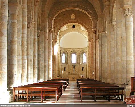 Mariage de Paillard et Tiamarys (22 octobre 1457) Eglise11