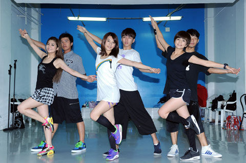 s.h.e dance rehearsal for the upcoming concerts in Hong Kong 24eaqe10