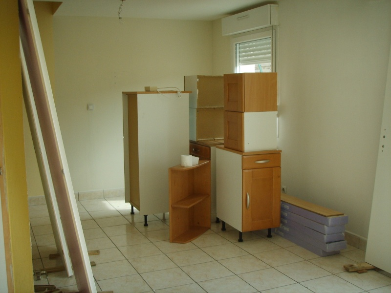 entree,cuisine,salle à manger et salon dans la meme piece besoin d'idée pour la peinture des murs Ssm15612
