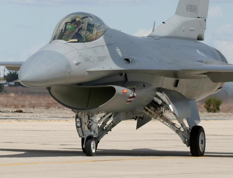 COMPTONS EN IMAGES F16tax10
