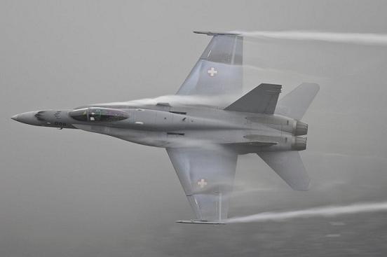 COMPTONS EN IMAGES F18-su10