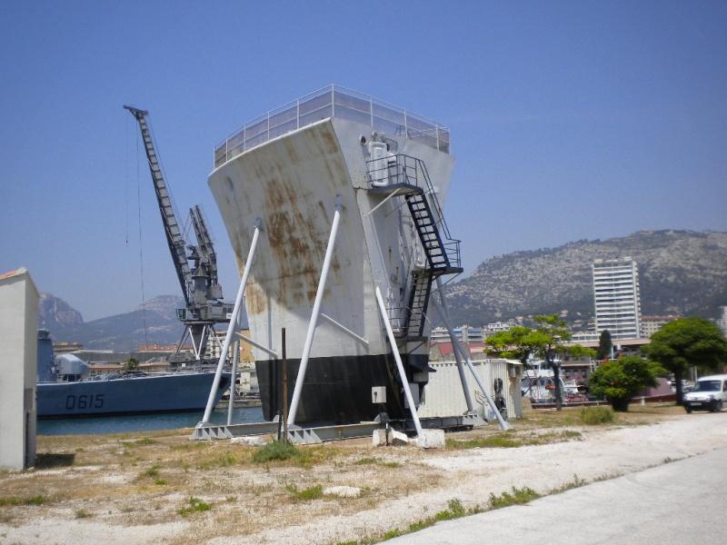 [Autre sujet Marine Nationale] Démantèlement, déconstruction des navires - TOME 1 - Page 3 Dscn0124