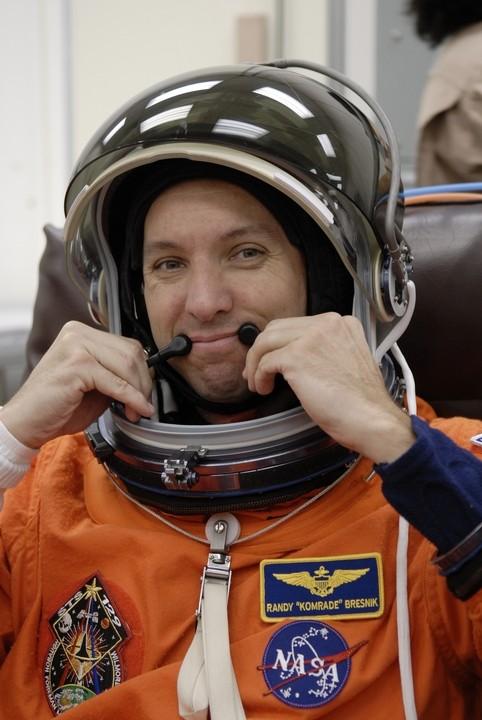 [STS-129] Atlantis : préparatifs (lancement le 16/11/2009) - Page 6 1010