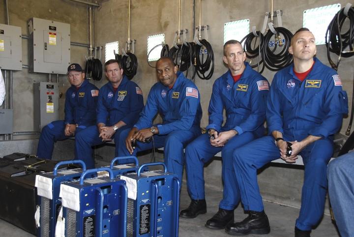 [STS-129] Atlantis : préparatifs (lancement le 16/11/2009) - Page 5 2009-510