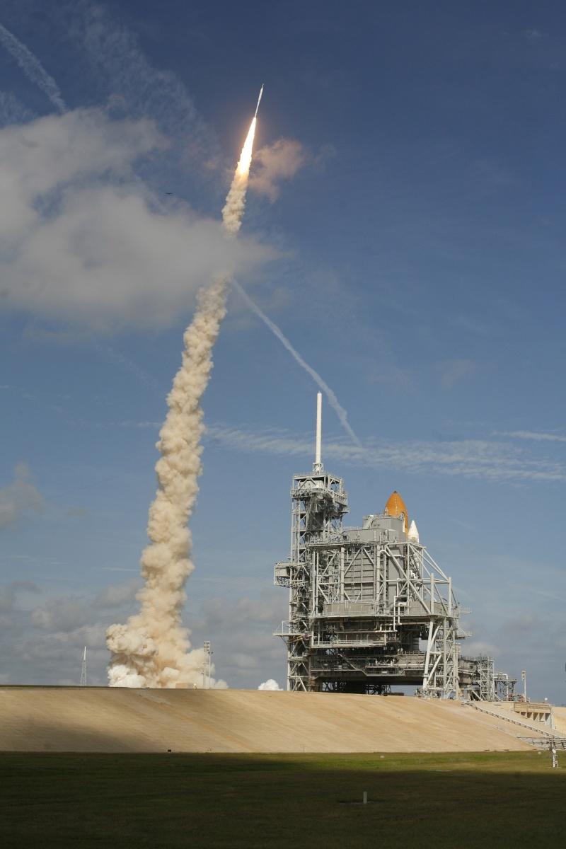 [STS-129] Atlantis : préparatifs (lancement le 16/11/2009) - Page 6 2009-512