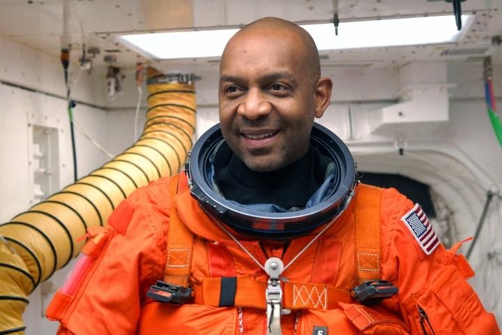 [STS-129] Atlantis : préparatifs (lancement le 16/11/2009) - Page 6 810