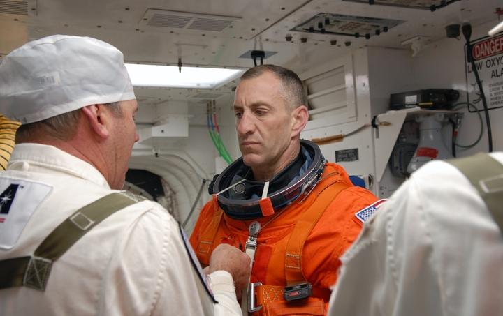 [STS-129] Atlantis : préparatifs (lancement le 16/11/2009) - Page 6 910
