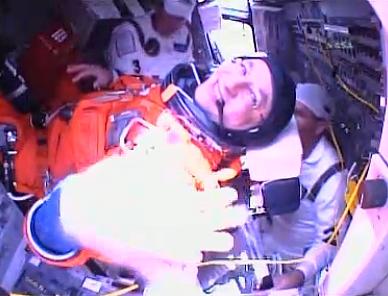 [STS-127: Endeavour] Lancement : tentative 6 (15/07 à 22h03 GMT) - Page 19 L110