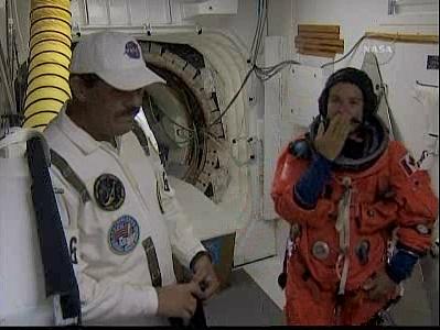 [STS-127: Endeavour] Lancement : tentative 6 (15/07 à 22h03 GMT) - Page 5 L1210