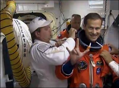 [STS-127: Endeavour] Lancement : tentative 6 (15/07 à 22h03 GMT) - Page 19 L210